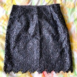 Grey lace sequined knee-length skirt